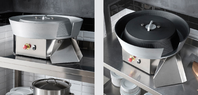 DOUGH ROUNDER ON LEGS AND CASTERS